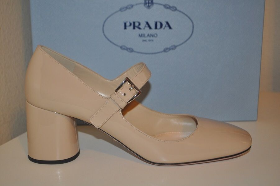 Neuf dans sa boîte PRADA Bloquer Bloquer Bloquer Mary Jane Talon Bloc Pompe Chaussures Bout Carré 38.5 Nude Patent 9.5 aa74e9