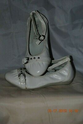 Via Pinky Little Girl/'s white Dress Shoes ~ Ankle Strap ~ New in Box ~ Size 7