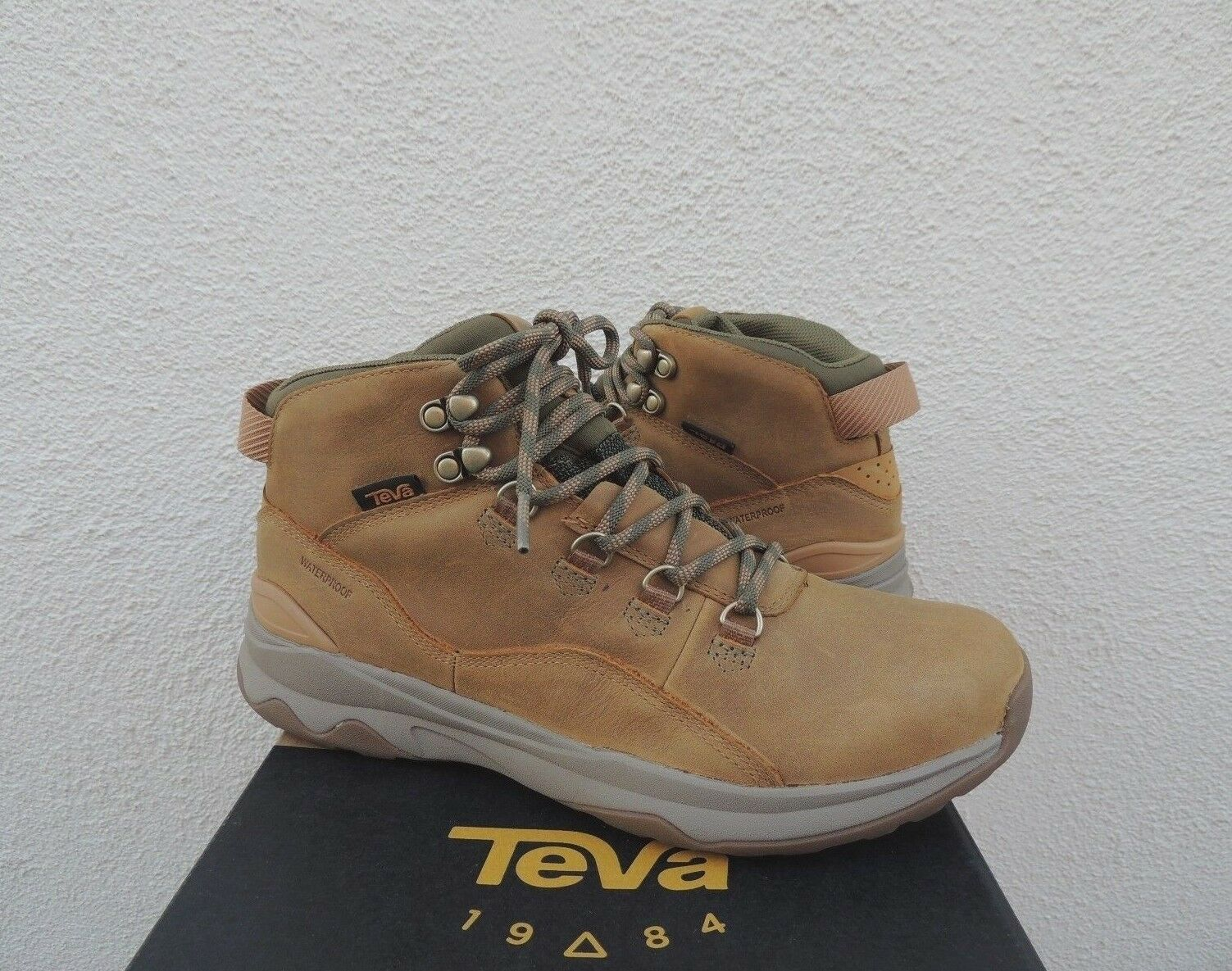 TEVA SAND ARROWOOD UTILITY MID WP LEATHER Turnschuhe Stiefel, MEN US 10  EUR 43 NEW