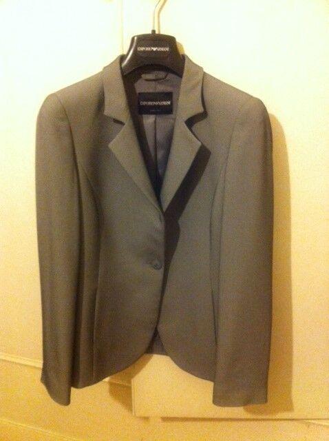 Emporio Armani women's grey suit. in perfect conditions
