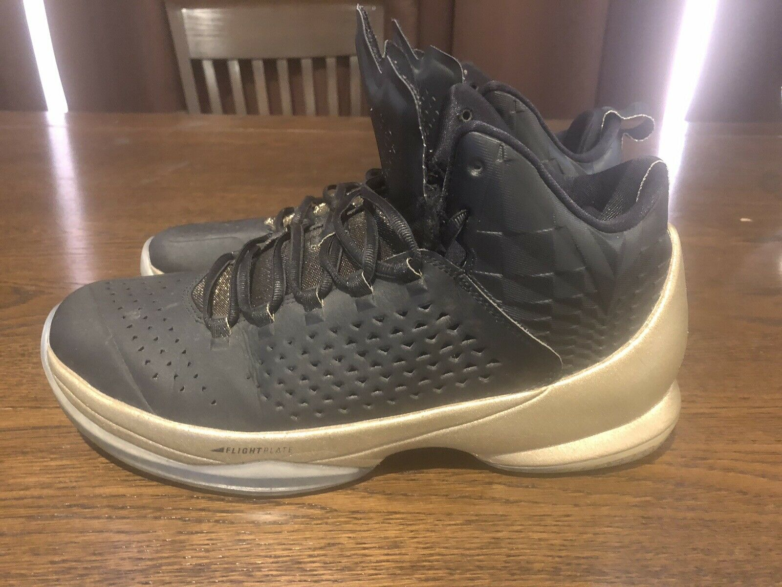 Jordan Melo m11 Black and gold
