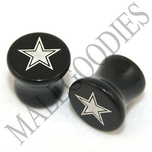 X043-Double-Flare-Saddle-Acrylic-Lonestar-Star-0G-0-Gauge-Plugs-8mm-Solid-Black