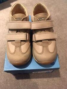 Supervisa chicos Zapato De Cuero/arranque RRP £ 41 95 Navidad venta masiva £ 5.99 Regalo Gratis