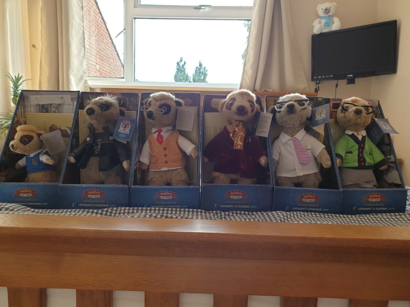 Compare The Meerkat Toys Complete Early Set