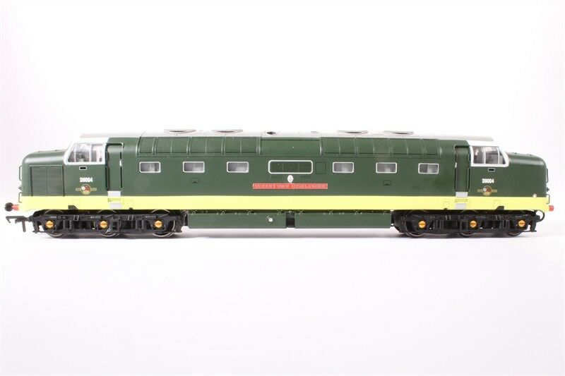 Bachmann  32-525 Class 55 Deltic D9004 Queens Own Highlander in BR verde MIB DCC