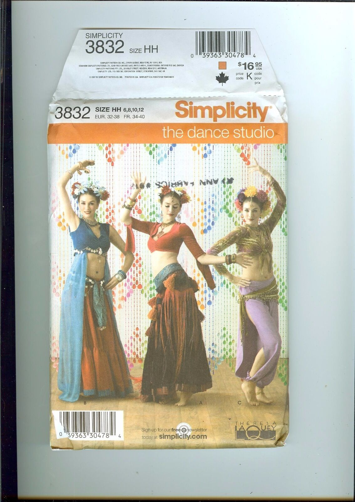 Wei/ß 34-52 Simplicity Schnittmuster 7027.A Poncho