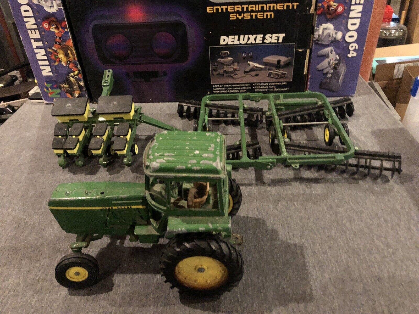 ERTL JOHN DEERE 1 16 Implement Tractor Plow Plow Plow Large Discs d13fd1