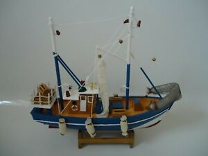 Blue-White-Crab-Boat-Trawler-Wooden-Model-With-Fishing-Nets-fenders-Stand-Ship