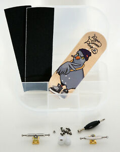 RareGemsPlug Pro Fingerboard 34mm Wood Locknuts Bearing Wheels Fingerskateboard