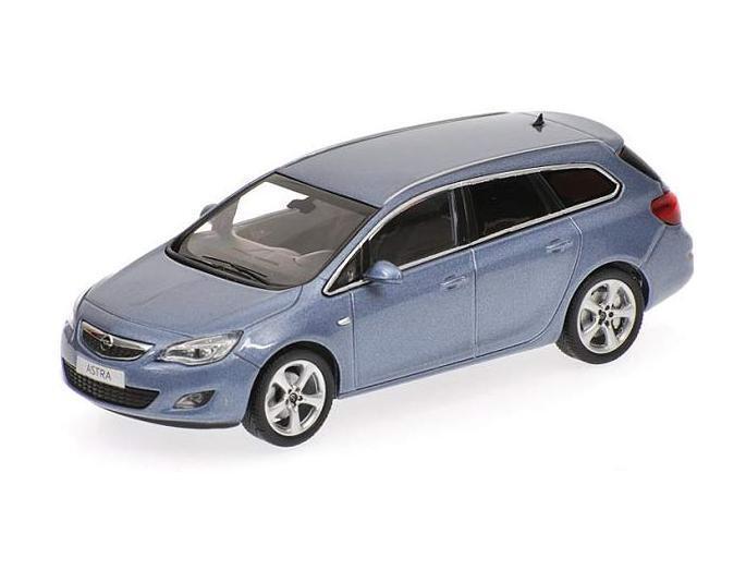 Opel ASTRA Sports Tourer 4-Door 2010 Light bluee 400049012 Minichamps 1 43 NEW