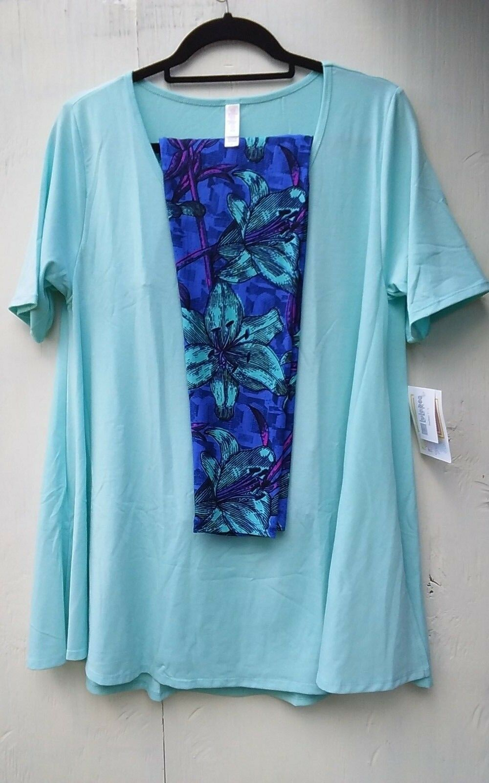 BUTTERY SOFT LULAROE   SIZE LARGE MINT PERFECT T WITH TC MINT FLORAL LEGGINGS