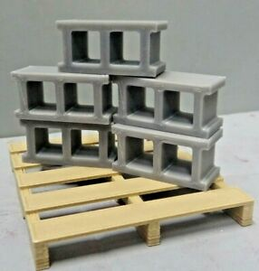 Cinder-Blocks-with-Pallet-5-block-Action-Figure-Garage-Diorama-Crawler-Dollhouse