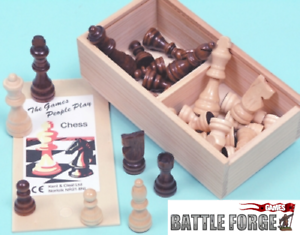 Wood-Chessmen-Staunton-Pattern-75mm-and-65mm-King-size