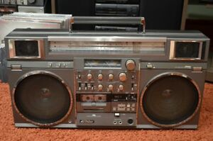 VICTOR-RC-M90-Vintage-Stereo-Boombox-Ghettoblaster