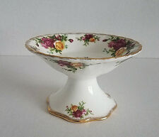 ROYAL ALBERT OLD COUNTRY ROSES PINK YELLOW FLOWERS GOLD TRIM CANDLE HOLDER STAND
