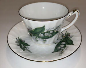 Vtg Royal Kendall England Fine Bone China Tea Cup & Saucer Lilly of the Valley
