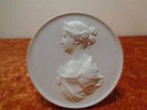Meissen-Porzellan-Plakette-Staatliche-Museen-zu-Berlin-Hauptstadt-der-DDR-10-cm