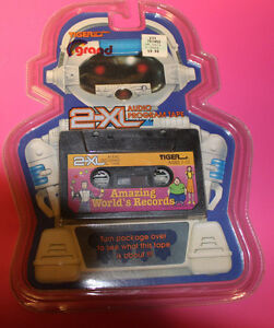 NOS CANADA GRAND TIGER ELECTRONIC 2XL TALKING ROBOT TAPE AMAZING WORLD'S RECORDS