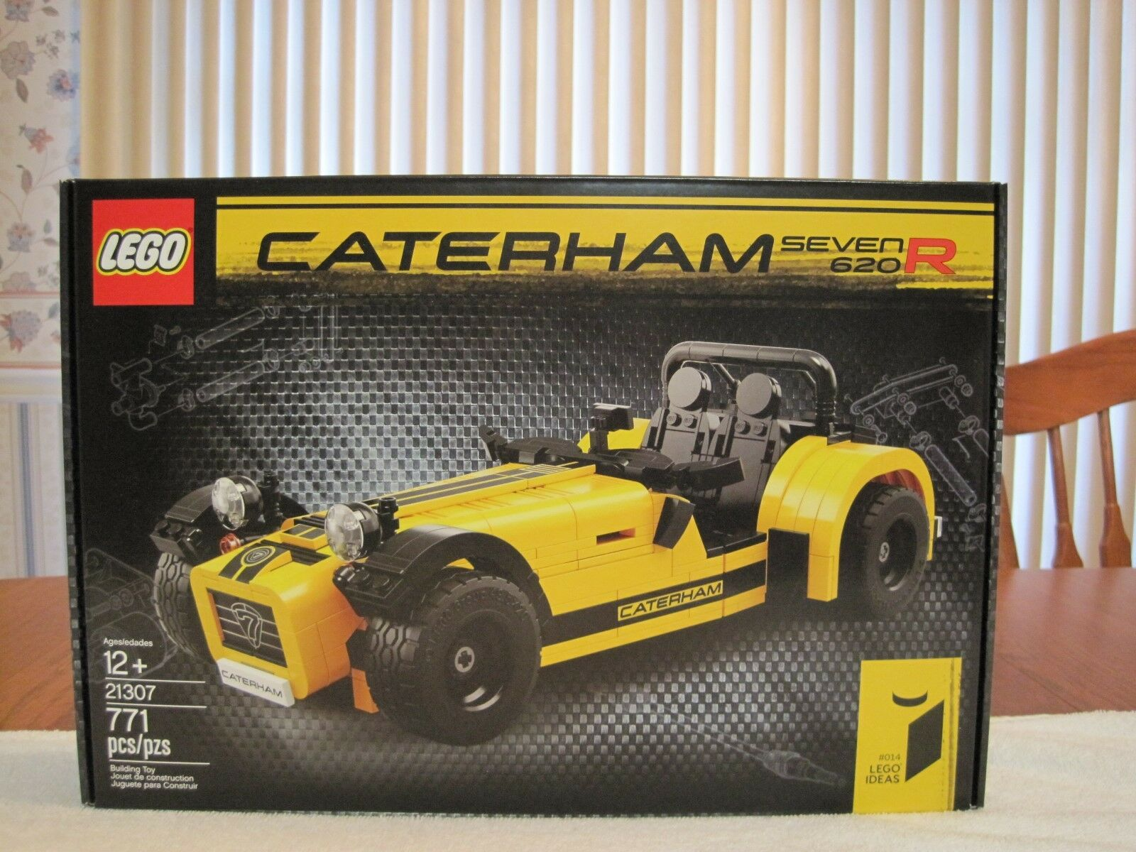 2016 LEGO  21307 CATERHAM SEVEN 620R--NEW--FACTORY SEALED