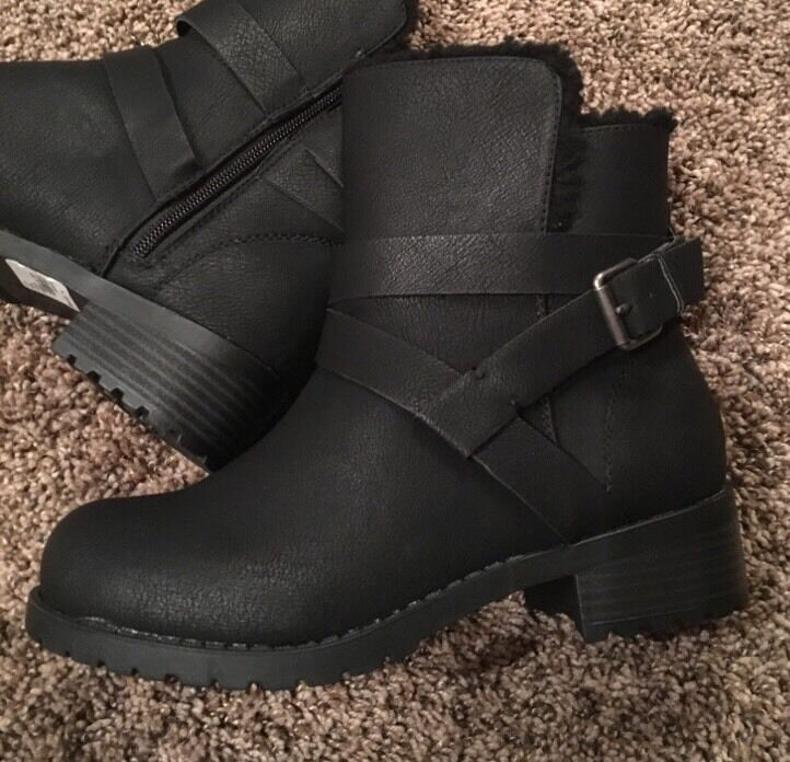 New Lane Bryant Fleece Engineer Faux Leather Ankle Boots Black Size 7W