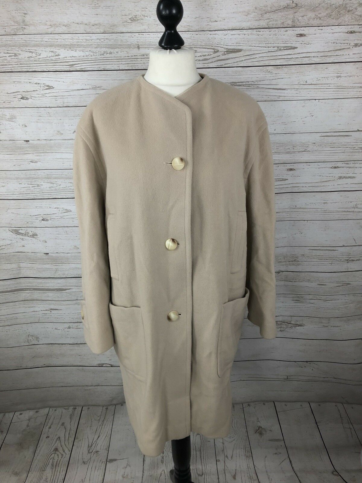 AUSTIN REED Vintage Overcoat Overcoat Overcoat - UK14 - Wool & Cashmere - Great Condition -damen's   Deutschland Berlin    Um Sowohl Die Qualität Der Zähigkeit Und Härte    Jeder beschriebene Artikel ist verfügbar  e33e84