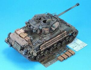 Legend-1-35-M4A3E8-039-Easy-Eight-039-Sherman-034-Fury-034-1945-Update-WWII-w-Decal-LF1300