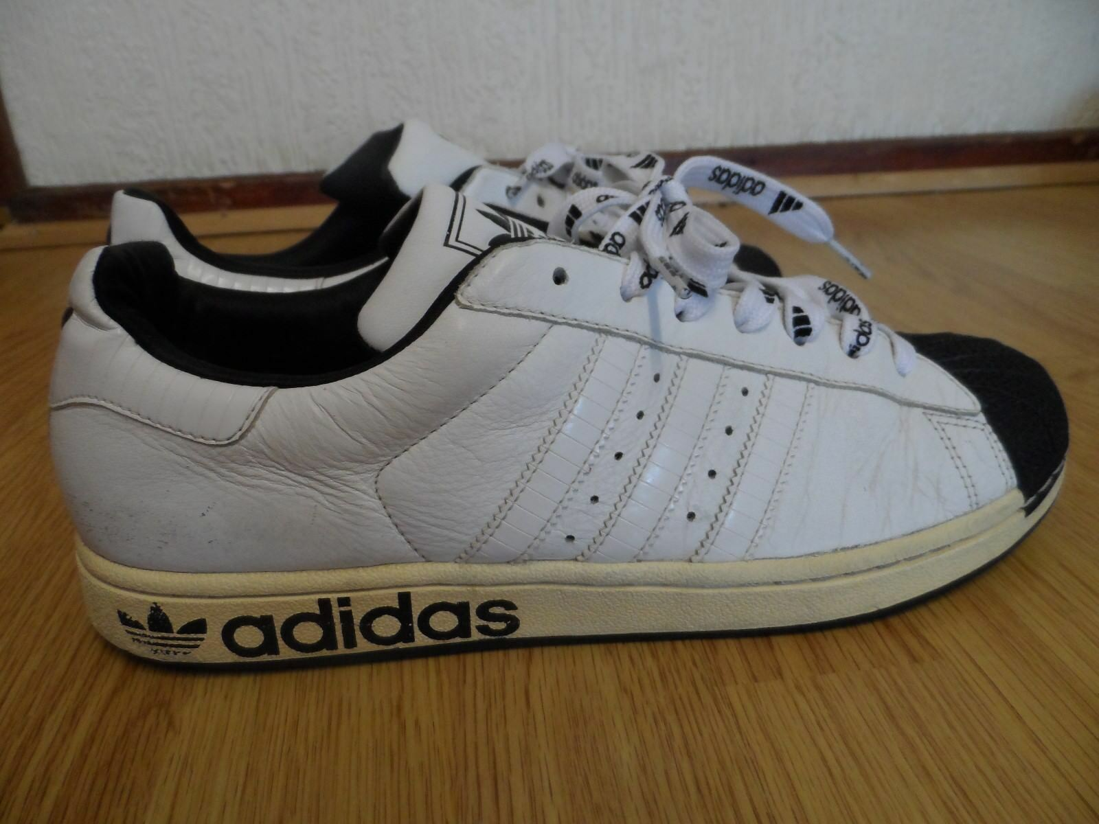 ADIDAS MENS TRAINERS SIZE UK 10   EUR 44 MADE IN INDONESIA