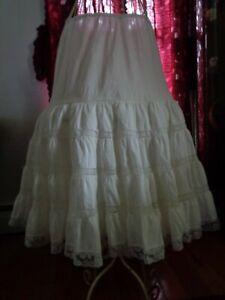 Vintage-Half-Slip-Dutchmaid-Gathered-with-lace-edging-trim-size-32-cotton-blend