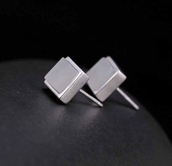 Sparsam F02 Schlichte Ohrstecker Quadrat Aus Silber 925 Weiße Jade