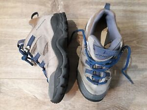 top beige hiking boots.UK 2 kids,EU 34