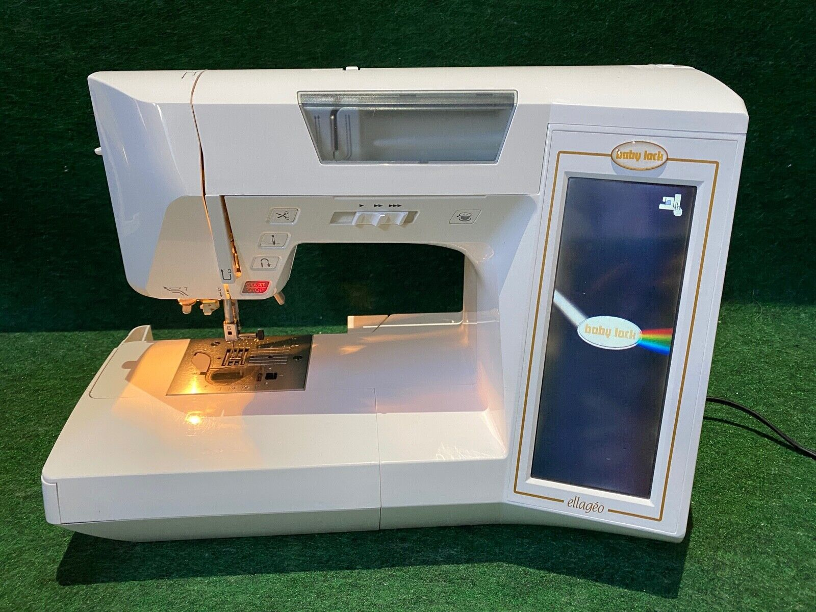 s l1600 - Baby Lock Ellageo ESg3 Embroidery Sewing Machine, Foot Controller and Case READ