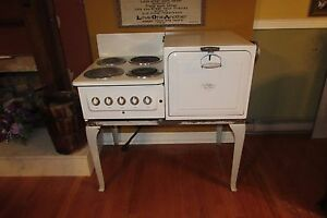 Image Is Loading Vintage Antique 1937 Universal Electric Porcelain Farmhouse Stove
