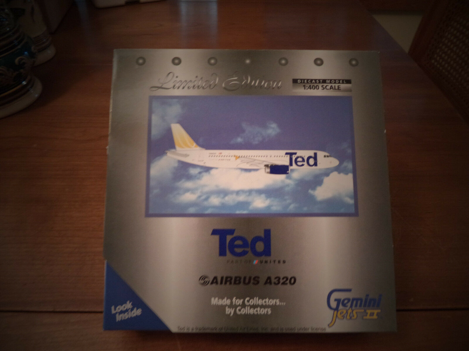 Gemini Jets GJUAL495 TED United Airlines Airbuss A320 400 ScaleFRAM35;N495UA 2004