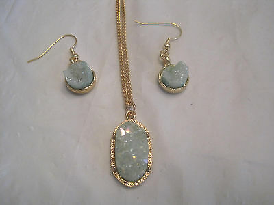 """Dedicated Ice Blue Druzy Earring And Oval Pendant On 18"""" Gold Necklace~lbdez Fashion Jewelry"""