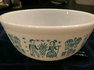 Vintage PYREX Ovenware Bowl 403 Amish Butterprint Turquoise White 2-1/2 quart US
