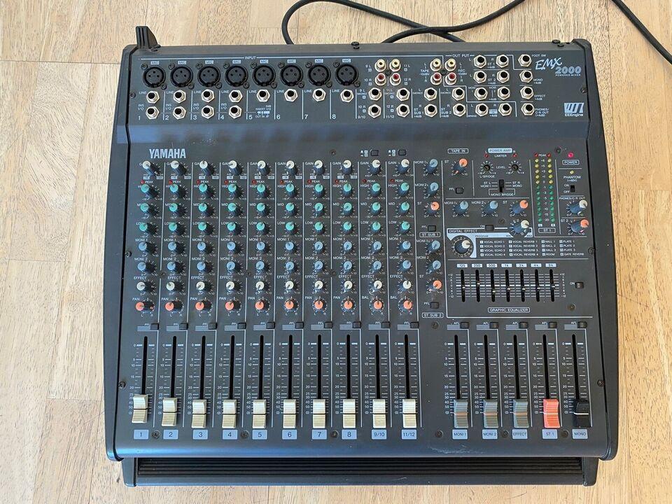 mixer med forstærker, Yamaha EMX2000