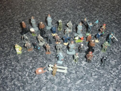 36 VARIOUS VINTAGE LEADDIECAST OO & HO GUAGE PEOPLE, SEAT & WHEEL BARROW VGC