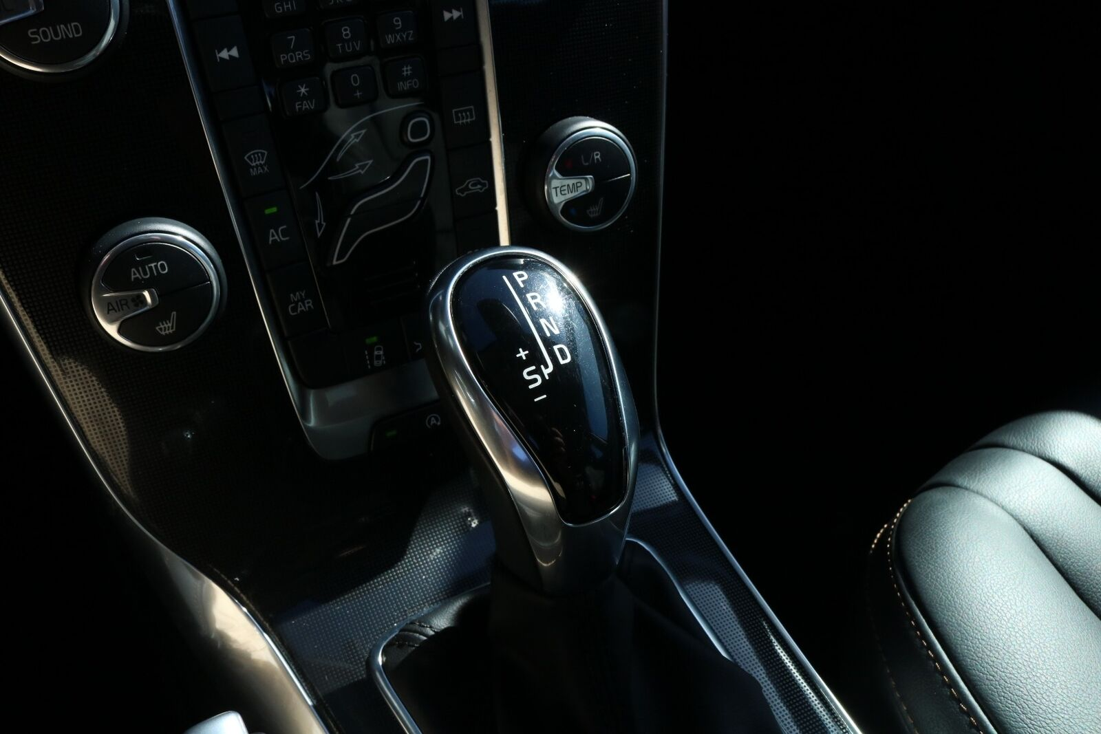 Volvo V40 CC D3 150 Momentum aut.