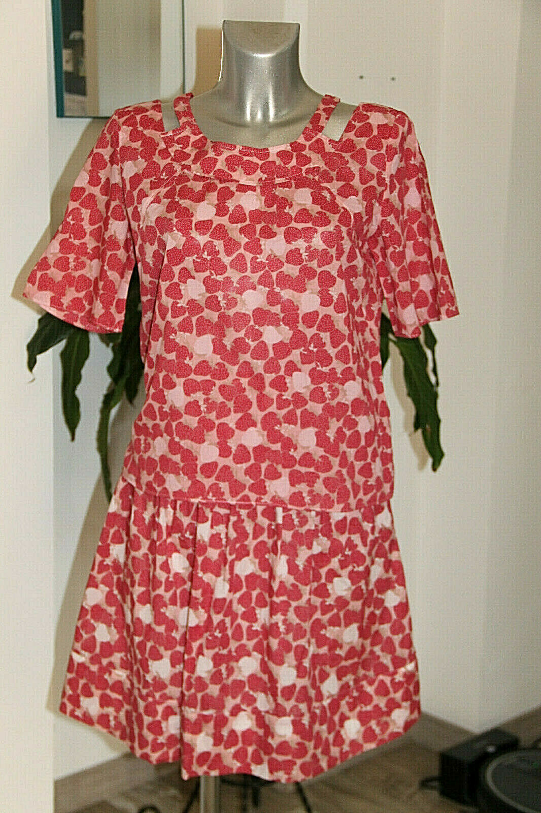 Nice Set Cotton Skirt+Top Strawberry Cacharel Size 40 in Perfect Condition