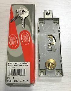 Prefer-serratura-per-porte-basculanti-con-cilindro-tondo