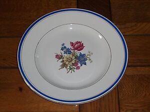 Ancien-tres-beau-plat-SARREGUEMINES-et-DIGOIN-porcelaine-opaque-DOLLY