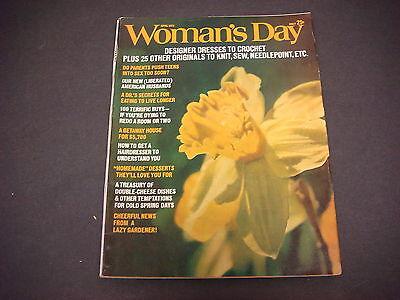 Woman's Day Magazine,April 1973,Designer Dresses,Crochet,Needlepoint,Live Longer