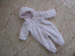 46aa76dbd598 Baby Girls Chloe Louise Pink Fluffy Snow Suit Age 6-9 Months