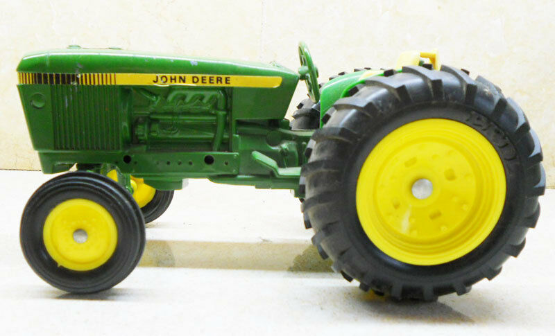 COLLECTIBLE ERTL BIG TRACTOR JOHN DEERE DYERSVILLE IOWA U.S.A (15)