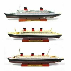 OPO-10-Paquebots-Le-France-Le-Normandie-Le-Queen-Mary-034-Collection-Paquebo