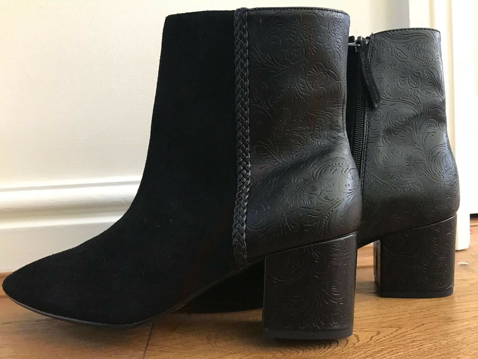 BNWT NEXT WOMENS BLACK FAUX LEATHER & SUEDE TOOLED ENGRAVED BOOTS