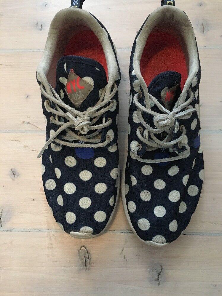 best website e108b a6885 Nike Roshe NYC Pack Poka Dot formadores Buen Buen Buen Estado marca de  descuento 266d74