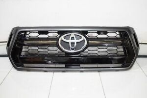 TOYOTA-HILUX-REVO-ROCCO-2018-GENUINE-FRONT-GRILLE-53100-YP030-40-50-60