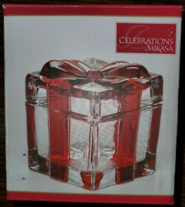 Mikasa Holiday Treats Large Covered Box Square Glass Red