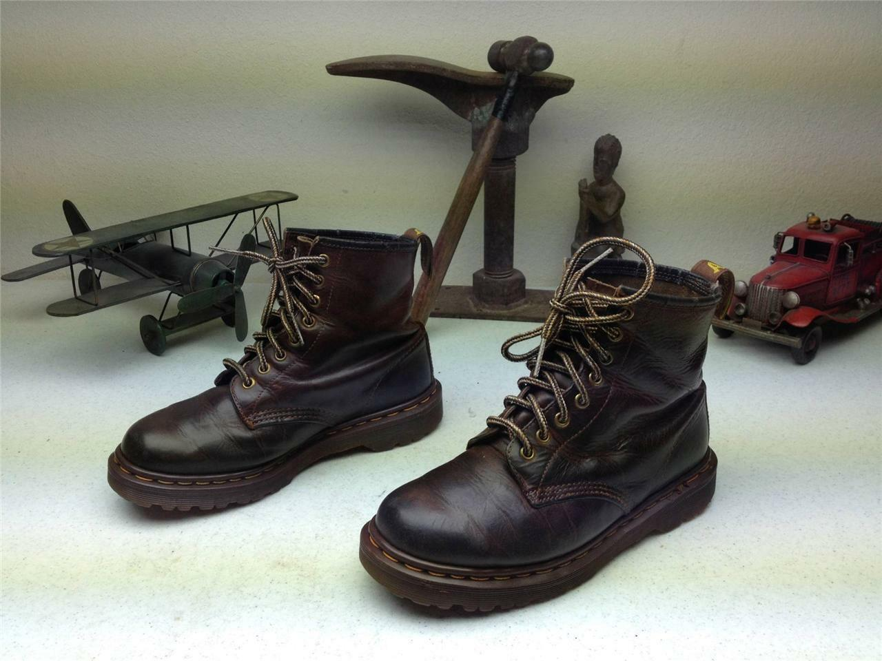 BROWN DISTRESSED DR.MARTENS MADE IN ENGLAND AIR WAIR LACE UP BOOTS SIZE 6 7D